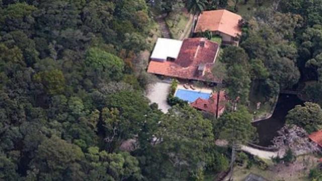 Sítio atribuído a Lula vira atração turística em Atibaia