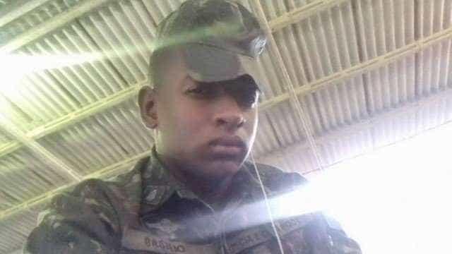 Paraquedista do Exército é baleado em briga de bar no Rio de janeiro