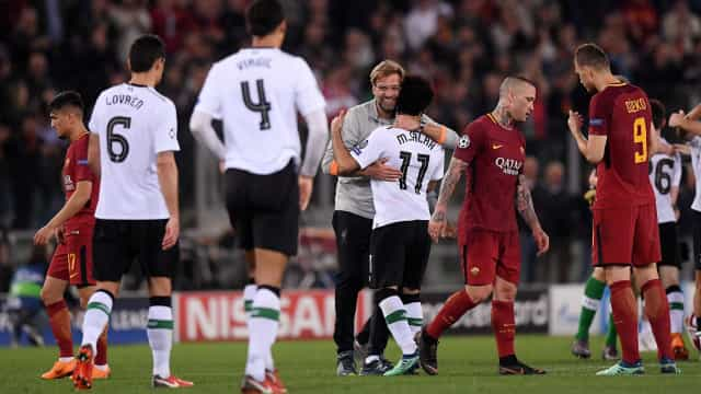 Liverpool leva susto e perde da Roma, mas vai à final