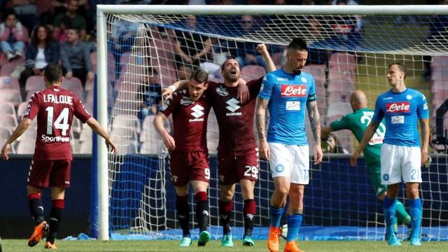 Napoli vacila e deixa Juventus com a mão na taça do Italiano