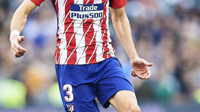 Filipe Luis volta após quase dois meses, mas Atlético de Madrid perde