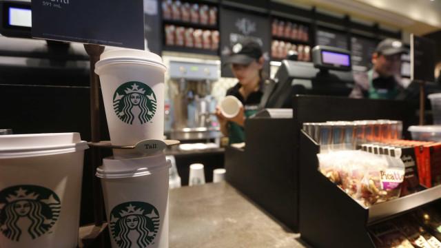 Nestlé fecha acordo para comercializar produtos Starbucks