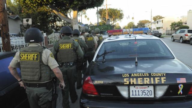 Atirador é detido em uma escola nos EUA; outra pode estar sob ataque