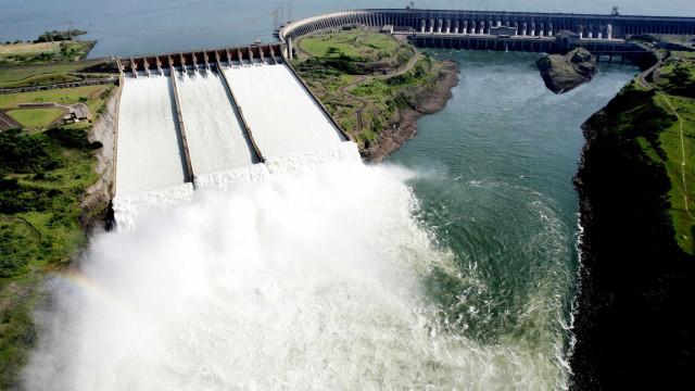 Hidrelétricas pedem novos contratos ao BNDES
