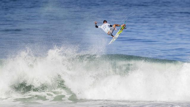 Sem ondas em Saquarema, quartas de final da etapa do Rio são adiadas