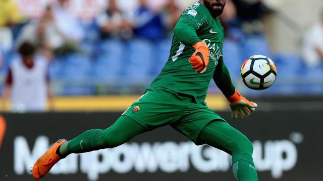 'Estou convencido de que o Alisson vai permanecer', diz técnico da Roma