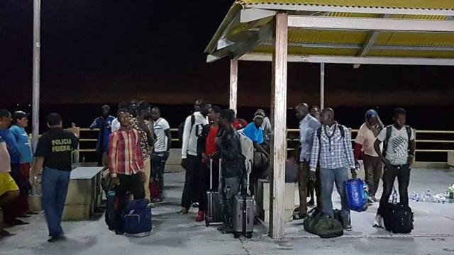 Imigrantes resgatados em barco no Maranhão estavam há 35 dias no mar