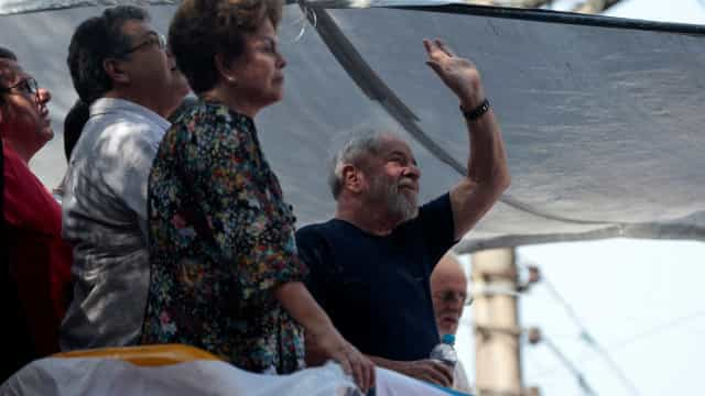 PT lançará pré-candidatura de Lula no dia 27, diz deputado após visita