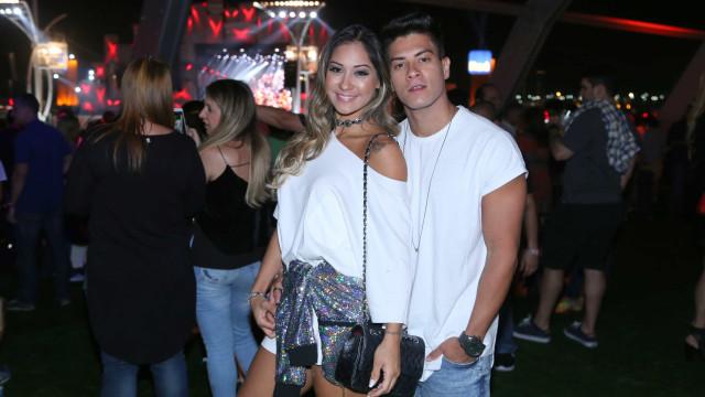 Mayra Cardi e Arthur Aguiar anunciam 1ª gravidez em clipe