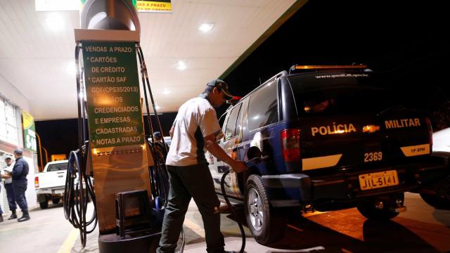 EUA alertam sobre falta de combustível e comida em viagens ao Brasil