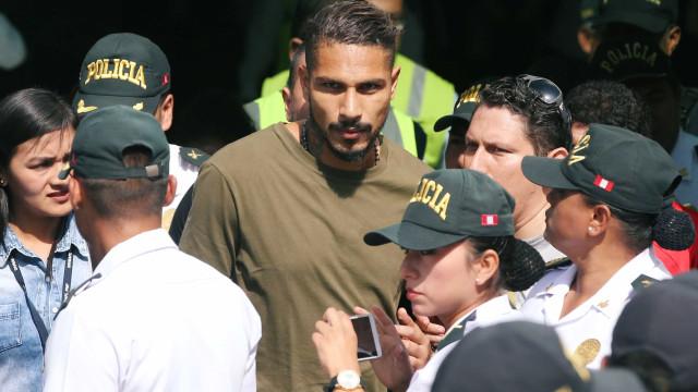 Guerrero vai se reunir com o presidente da Fifa para falar de suspensão