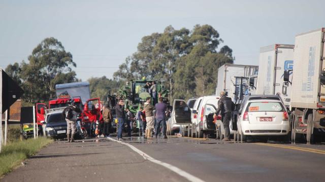 Protesto bloqueia 35 trechos de seis rodovias federais em SC