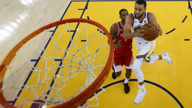 Warriors vencem Rockets e forçam partida decisiva nos playoffs da NBA