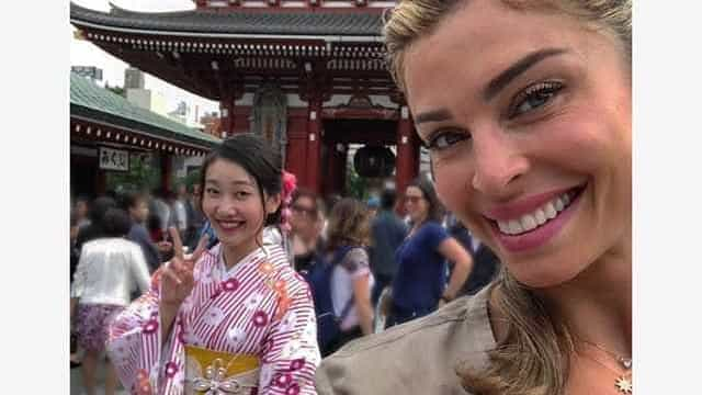 Grazi e namorado Patrick Bulus curtem férias em família no Japão