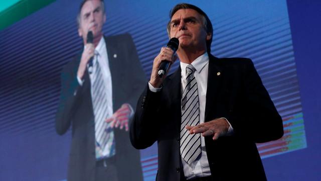 Bolsonaro diz que nunca defendeu intervenção militar