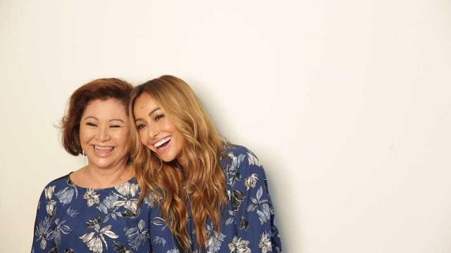 Mãe de Sabrina Sato sugere nome para a filha da apresentadora