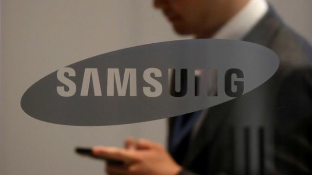 Samsung deverá adotar sensor biométrico na tela do Galaxy S10
