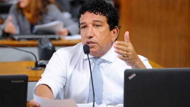 Bolsonaro diz que mandou 'cartinha de amor' para seu vice dos sonhos