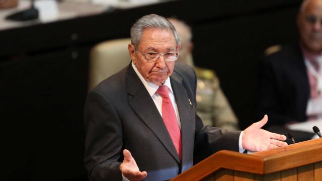 Raul Castro vai liderar reforma da Constituição cubana