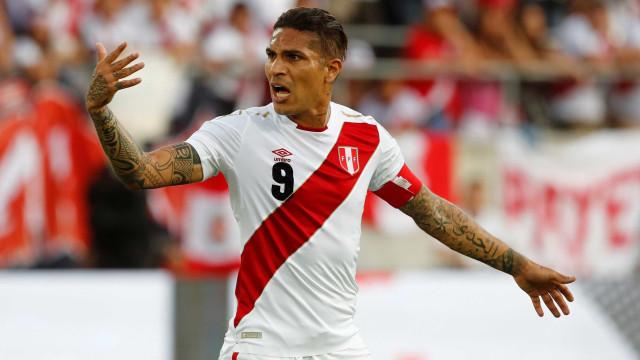 Guerrero faz dois e comanda vitória do Peru sobre a Arábia Saudita