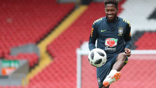 Manchester United oficializa contratação do brasileiro Fred