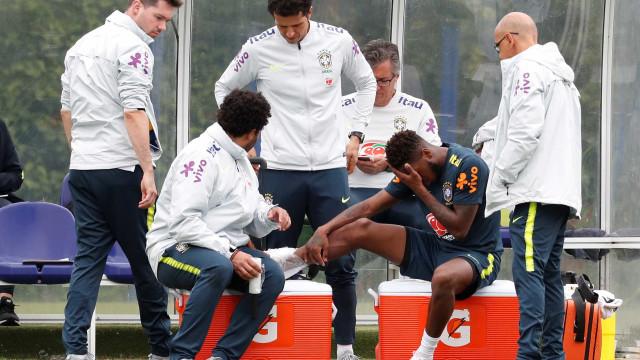 Fred abandona treino da seleção após entrada dura de Casemiro