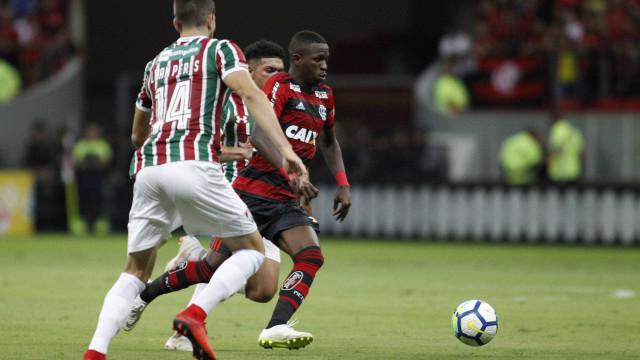 Flamengo faz gol 'tipo Barcelona' e torcida se empolga na web; veja