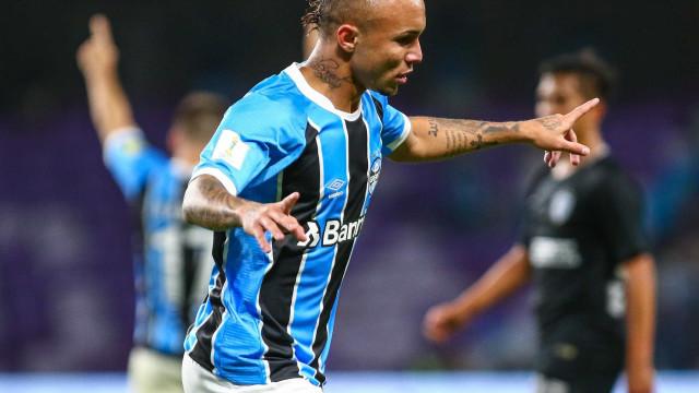 Grêmio vence o América-MG e encerra jejum em casa
