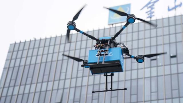 Com drones, empresa chinesa entrega comida em apenas 20 minutos