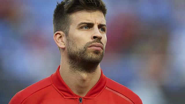 Às vésperas da Copa, Piqué abandona treino e preocupa a Espanha