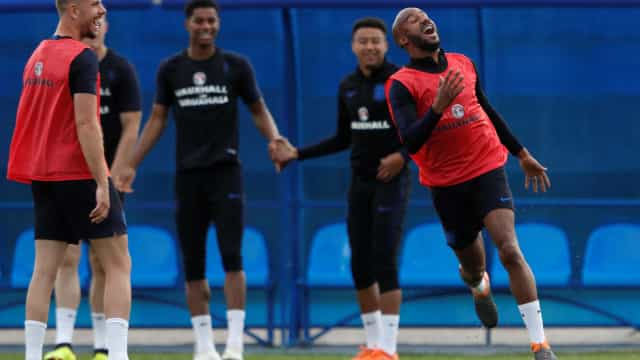 Ingleses usarão calças 'aquecidas' para reduzir risco de lesão na Copa