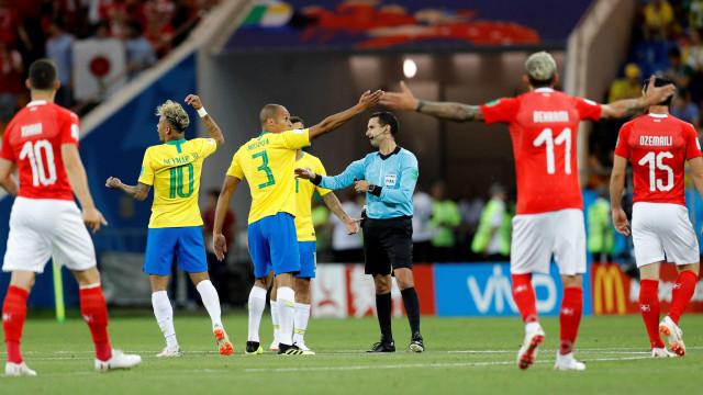 Fifa responde queixa da CBF, mas se recusa a liberar áudio do VAR