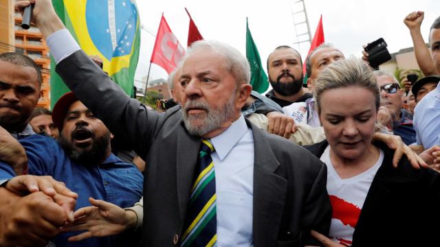 Gleisi visita Lula e discute lançamento de pré-candidatura nos Estados