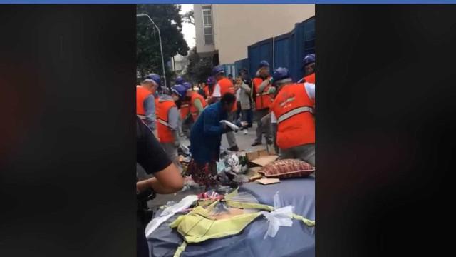 Prefeitura de SP recolhe cobertores de moradores de rua