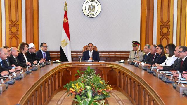 Egito prorroga estado de emergência por três meses