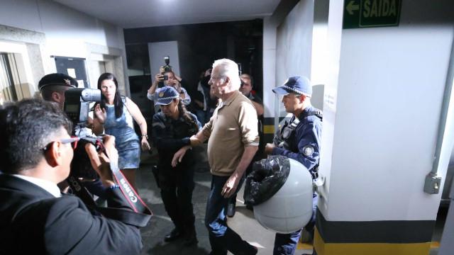 Após decisão do STF, Dirceu deixa Papuda e volta para casa em Brasília