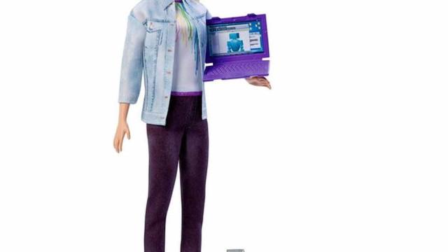 Mattel lança Barbie engenheira robótica