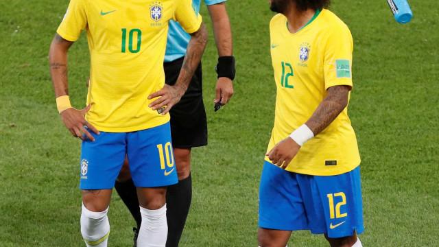 Médico diz que 'colchão de hotel' pode ter lesionado Marcelo
