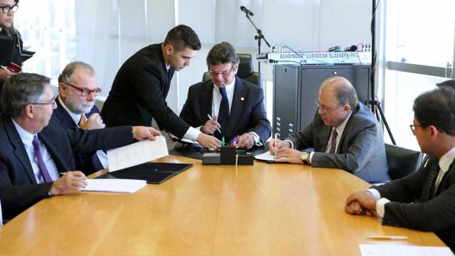 TSE assina parcerias para combater notícias falsas nas eleições