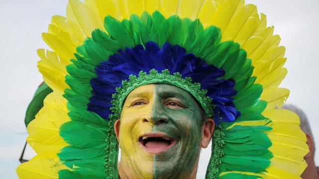 Torcida pelo Brasil: Vejo os cuidados para usar tintas do rosto à casa