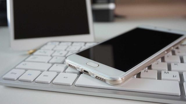 Celulares seminovos são eletrônicos mais buscados no varejo online