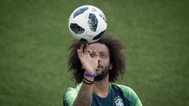 Tite esboça time com Filipe Luís entre os titulares; Marcelo é dúvida