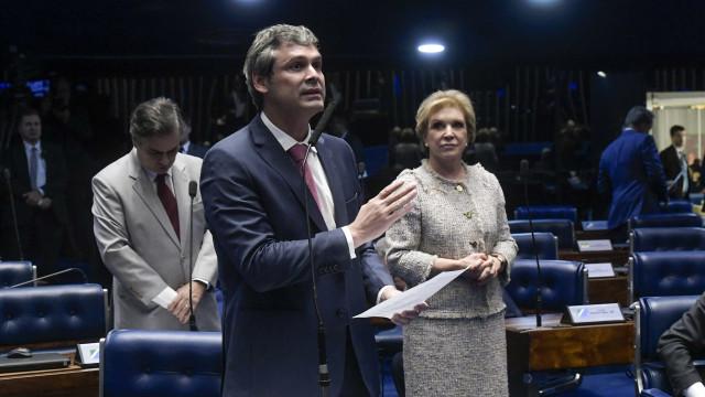 'Vão iniciar batalha para impedir candidatura de Lula', diz Lindbergh