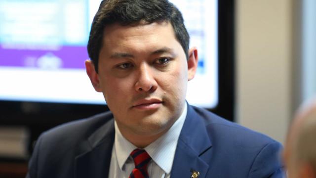 Afastado do cargo, ministro do Trabalho decide pedir demissão