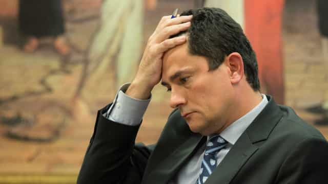 Sergio Moro interrompeu as férias para despachar sobre soltura de Lula