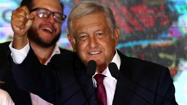 Presidente eleito do México é escritor prolífico