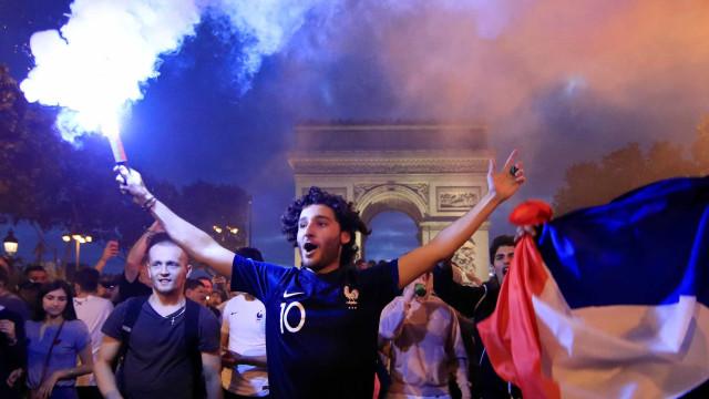 Feriado da Queda da Bastilha embala clima de 'já ganhou' na França