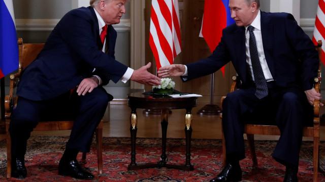 Trump diz que quer construir 'relação extraordinária' com Putin