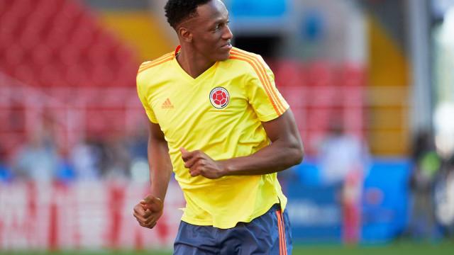 Zagueiro Mina pode deixar o Barça para jogar a Libertadores