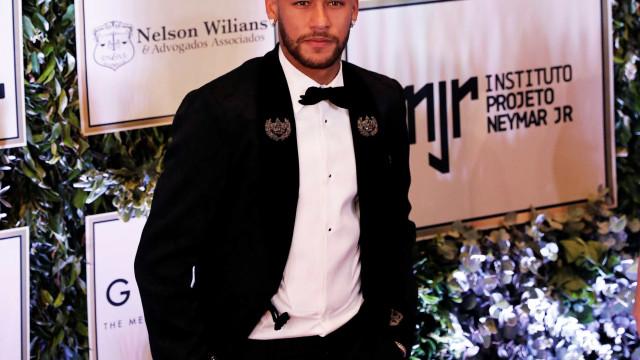 Neymar garante que fica no PSG e fala da relação com Mbappé
